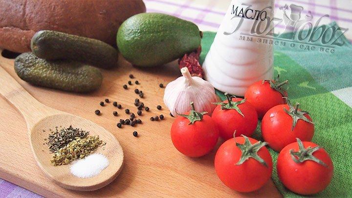 Для томатного гаспачо подберем такие продукты