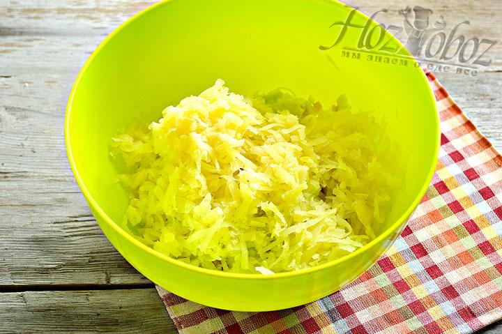 На тепрке натрем картофель