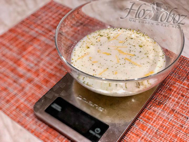 Смешиваем необходимые ингредиенты для соуса