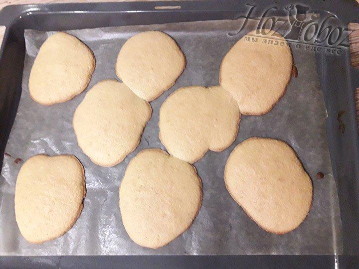 Печем лепешки 8 минут при 180 градусах