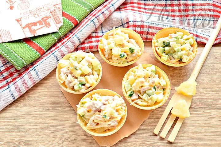 Готовые тарталетки с салатом