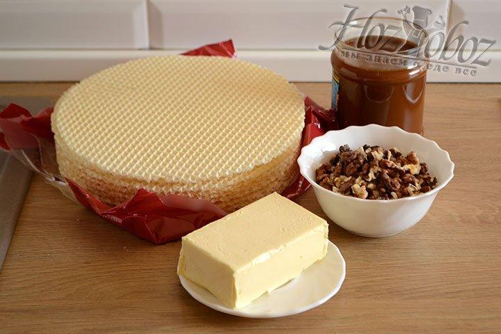 Подготавливаем ингредиенты для приготовления вафельного торта по домашнему рецепту.